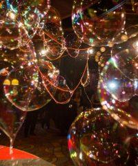 Riesenseifenblasen Shows von Dr. Bubbles & Team
